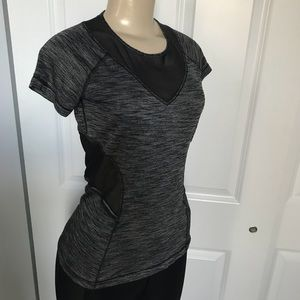Lululemon Beat the Heat short sleeve shirt Size 4